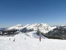 Alta area alpina dello sci nelle alpi francesi Immagini Stock Libere da Diritti