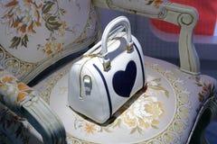 Alta borsa femminile di cuoio bianca Immagine Stock