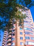 Alta casa residenziale Fotografia Stock Libera da Diritti