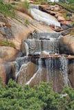 Alta cascata d'ebollizione rocciosa Immagine Stock Libera da Diritti