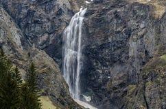 alta cascata in dettaglio della montagna Immagine Stock