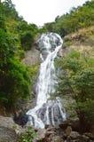 Alta cascata di Sarika in Tailandia Fotografia Stock