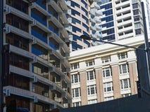 Alta construcción de viviendas moderna de la subida Foto de archivo