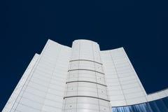 Alta costruzione bianca moderna di affari Fotografia Stock