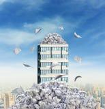 Alta costruzione in carte Immagini Stock Libere da Diritti