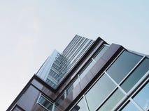 Alta costruzione con chiaramente il cielo fotografia stock libera da diritti