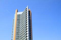 Alta costruzione dell'hotel Fotografia Stock Libera da Diritti