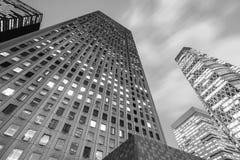 Alta costruzione dell'ufficio moderno Fotografia Stock Libera da Diritti
