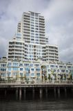 Alta costruzione di apartement di aumento Immagini Stock