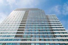 Alta costruzione di appartamento Fotografie Stock Libere da Diritti