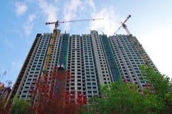 Alta costruzione di aumento che va in su Fotografia Stock Libera da Diritti