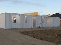 Alta costruzione di aumento che va in su Camera in costruzione Industria dell'edilizia Costruzione moderna della villa Fotografia Stock Libera da Diritti