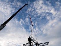 Alta costruzione di aumento che va in su Casa di dimora della costruzione house Costruzione della Camera Fotografia Stock Libera da Diritti