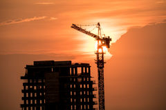 Alta costruzione di edifici con la luce di tramonto Fotografia Stock