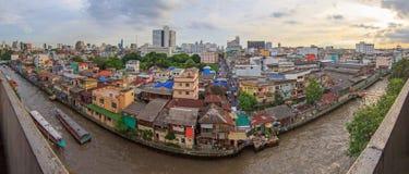 Alta costruzione di panorama della città Fotografia Stock Libera da Diritti
