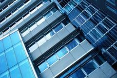 Alta costruzione di vetro di aumento Fotografia Stock