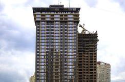 Alta costruzione moderna del grattacielo della casa Fotografia Stock Libera da Diritti