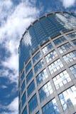 Alta costruzione moderna della torre dell'ufficio Fotografia Stock Libera da Diritti