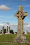 Alta cruz de las escrituras. Clonmacnoise. Irlanda imagen de archivo libre de regalías
