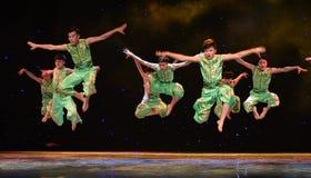 Alta danza popolare del cittadino di salto- di concorso Immagine Stock