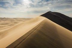 Alta duna nel deserto del Sahara Fotografia Stock