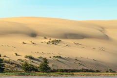 Alta duna sabbiosa dello sputo di Coronian Immagine Stock