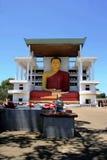 Alta estatua en un templo budista, Weherahena, Matara de Buda Fotos de archivo libres de regalías
