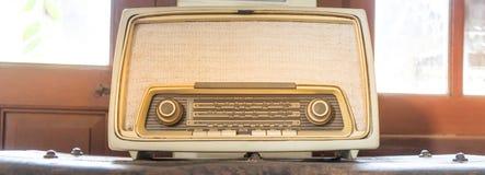 Alta fedeltà radiofonica rustica d'annata Fotografie Stock Libere da Diritti