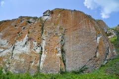 Alta formazione rocciosa scenica, punto di vista del bpttpm Fotografia Stock