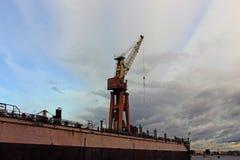 Alta gru del carico in porto Immagini Stock