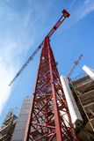 Alta gru di costruzione di aumento Immagine Stock