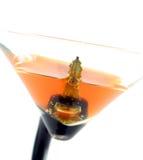 Alta immagine chiave dei tasti dell'automobile in un coctail - non beva e non guidi Fotografia Stock