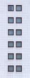 Alta immagine della facciata con i vetri di finestra Fotografie Stock Libere da Diritti