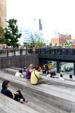 Alta línea New York City Parque peatonal elevado Imagenes de archivo