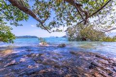 Alta marea al paesino di pescatori Fotografia Stock Libera da Diritti