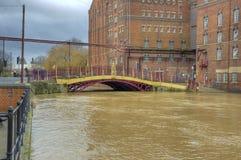 Alta marea al ponte della via di Quay Fotografie Stock