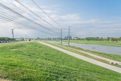 Alta marea alla Cisgiordania del fiume Trinity, Dallas, il Texas, U.S.A. Fotografie Stock Libere da Diritti