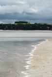 Alta marea che viene a Pointe du Muret, Trecelin (Francia) Immagine Stock Libera da Diritti