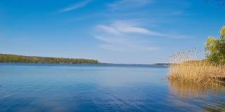Alta marea di fonte sul fiume di Dnieper Fotografie Stock Libere da Diritti