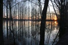 Alta marea in fiume Immagine Stock