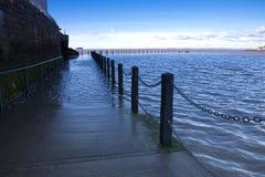 Alta marea, lago marino, giumenta eccellente di Weston, Somerset ad alta marea Immagine Stock
