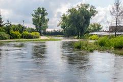 Alta marea nel fiume di Radunia in Pruszcz Gdanski Immagine Stock Libera da Diritti