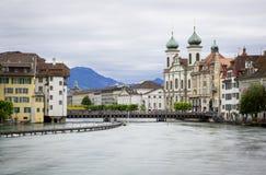 Alta marea nel fiume di Reuss, Lucerna Fotografie Stock