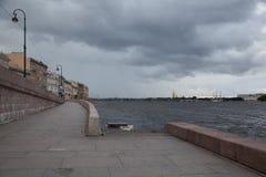 Alta marea nel fiume Neva Fotografia Stock Libera da Diritti