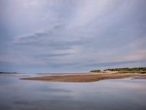 Alta marea sulla spiaggia di Holkham Immagine Stock
