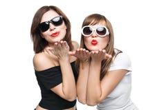 Alta moda Modello alla moda affascinante delle giovani donne Fotografia Stock