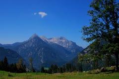 Alta montagna aguzza Immagine Stock