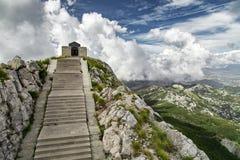 Alta montagna al giorno nuvoloso Immagine Stock Libera da Diritti