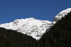Alta montagna con neve bianca Fotografia Stock Libera da Diritti