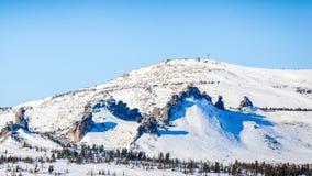 Alta montagna con un incrocio Immagini Stock Libere da Diritti
